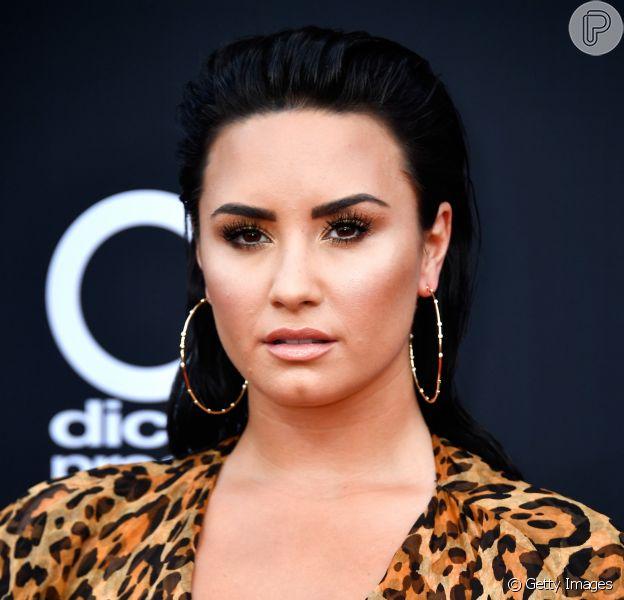 Demi Lovato deixa clínica de reabilitação após três meses internada, em 4 de novembro de 2018