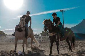 Momento pai e filho! Safadão passeia a cavalo com Yhudy e mostra fotos na web