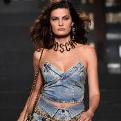 Jeans com jeans: os conjuntos mais versáteis das passarelas para o street style