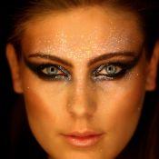 Para brilhar! Está aberta a temporada do glitter na maquiagem. Inspire-se