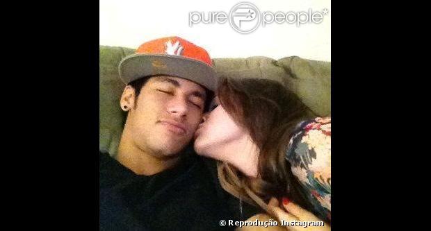 O jogador de futebol Neymar e a atriz Bruna Marquezine, depois de muitos boatos desde outubro de 2012, assumiram o namoro no segundo dia de desfiles do Grupo Especial do Rio de Janeiro, em 11 de fevereiro de 2013