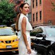 O look all white de Patrícia Poeta na Semana de Moda de Nova York fez sucesso