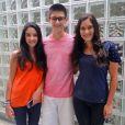 Trigêmeos de Fátima Bernardes visitam os estúdios da Globo