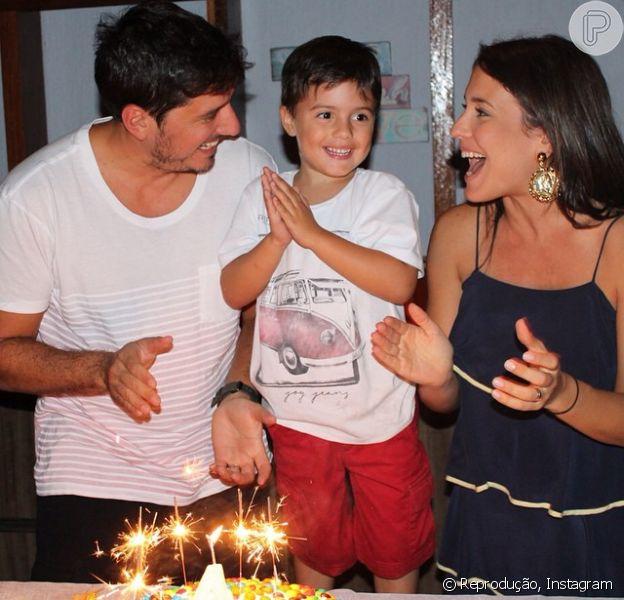 Juliana Knust comemora 4 anos no filho, Matheus: 'Bolinho com a família' (8 de setembro de 2014)