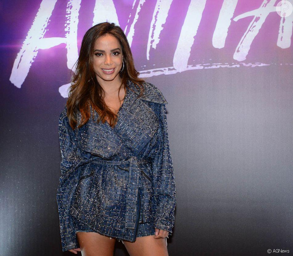 Anitta está no auge da carreira e está sempre com a agenda lotada