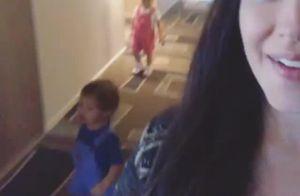 Thais Fersoza combina looks dos filhos: 'Coloquei os dois de macacão'. Vídeo!