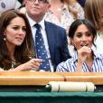 A primeira vez que Kate Middleton e Meghan Markle saíram juntas sem a companhia dos respectivos maridos, William e Harry, foi para uma partida de tênis entre a americana Serena Williams e a alemã  Angelique Kerber