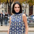 O vestido da Miu Miu usado por Bruna Marquezine no desfile da grife, em Paris, foi um dos mais elegantes do ano