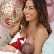 Momento mãe e filha! Sabrina Sato mostra amamentação de Zoe: 'Leite e amor'