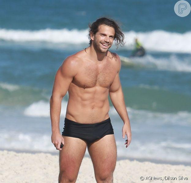 Duda Nagle foi à praia da Barra da Tijuca, na Zona Oeste do Rio, na tarde desta quinta-feira, 11 de setembro de 2014
