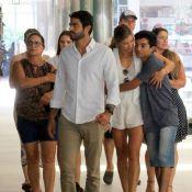 Grazi Massafera e namorado, Patrick Bulus, passeiam com família de atriz. Fotos!