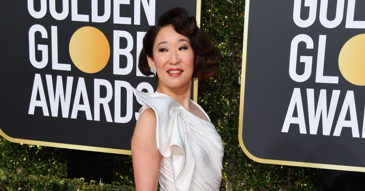 Sandra Oh Que Ganhou O Prêmio De Melhor Atriz Por Série De
