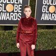 Elsie Fisher escolheu o conjunto de calça e terno de veludo para o Globo de Ouro 2019
