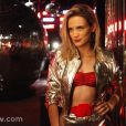 Vitoria (Bianca Bin) investiga o passado de Carlota (Giulia Gam), em 'Boogie Oogie'