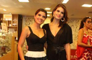 Look all black de Camila Queiroz é destaque em estreia de peça 'Susto'. Fotos!
