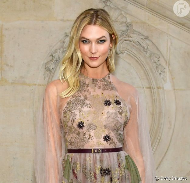 Karlie Kloss no desfile de Christian Dior Haute Couture Spring Summer 2019, na Paris Fashion Week