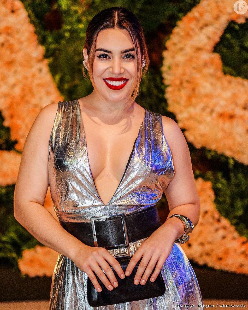 Naiara Azevedo, de look sexy e batom vermelho, dá aula de autoestima: 'Seja mais você'