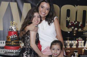 Nicolas Prattes leva namorada, Juliana Paiva, e irmã a festa de atriz mirim