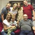 Com foto da família reunida, Ana Hickmann lamenta morte do pai nesta quinta-feira, dia 31 de janeiro de 2019