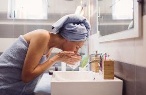 5 erros que você pode cometer ao lavar a pele do rosto