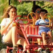 Fernanda Gentil passeia com o filho e a mulher, Priscila Montandon. Veja Fotos!