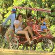 Enquanto Fernanda Gentil e Priscila Montandon pedalavam, Gabriel foi na frente só admirando a paisagem