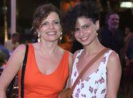 Parecidas? Debora Bloch e filha prestigiam aniversário de Zeca Pagodinho. Fotos