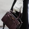 No detalhe: Caroline Daur usa calça branca + sapato oxford preto