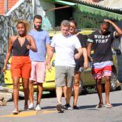 Após temporal, Huck visita Vidigal com Roberta Rodrigues e Jonathan Azevedo