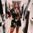 Marília Mendonça posou em closet com vestido curtinho