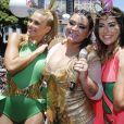 Preta Gil costuma convidar vários amigos para subir no trio e pular carnaval com ela no Bloco da Preta