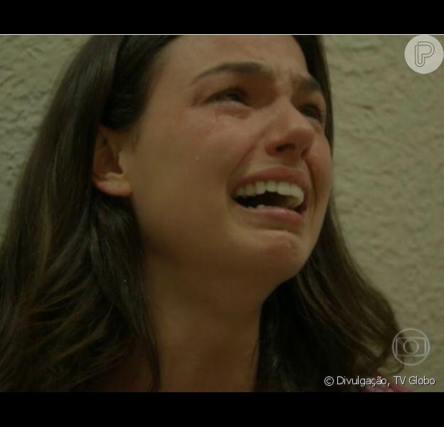 Sandra (Isis Valverde) perde o filho que espera de Alex (Fernando Belo), seu falecido noivo, em 'Boogie Oogie', em 6 de outubro de 2014