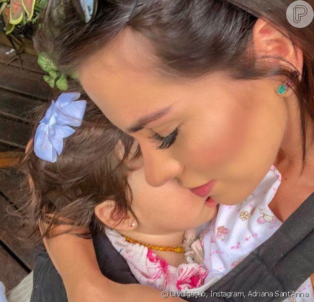 Adriana Sant'Anna costuma compartilhar a sua vida, mostrando o desafio de lidar com a rotina de mãe e se manter em forma