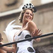 Look e cabelo retrô: Paolla Oliveira brilha como rainha do Cordão da Bola Preta