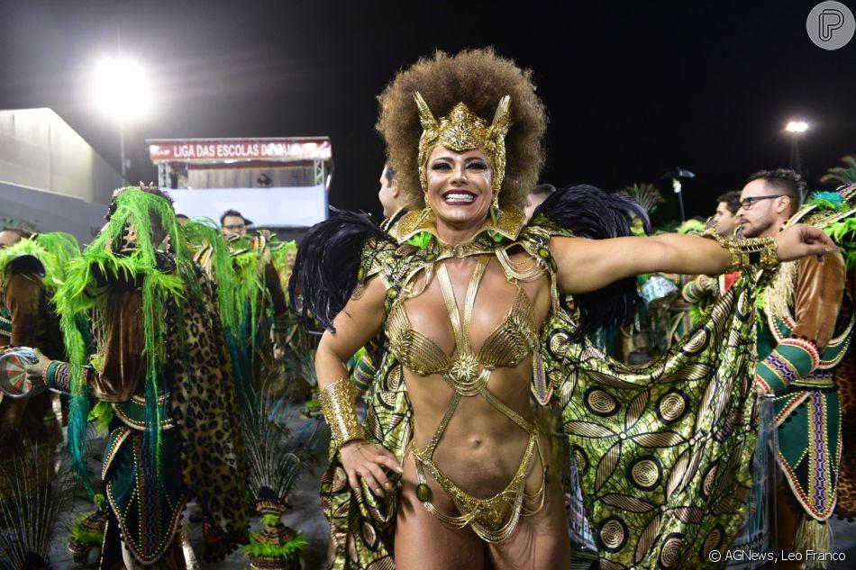 Viviane Araujo festejou o título inédito da Mancha Verde no carnaval de São Paulo: 'Parabéns minha guerreira!'