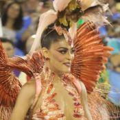 Juliana Paes se posiciona após look em desfile ser criticado: 'Penas recicladas'