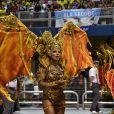 Simone Sampaio é a oito anos rainha de bateria da Dragões da Real. A escola ficou em 2º lugar em SP. A fantasia tinha uma asa que fazia movimentos durante todo o desfile.