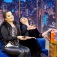 Maiara e Maraisa se divertiram em entrevista com Danilo Gentili no 'The Noite'