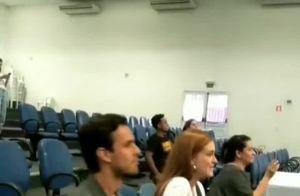 Marina Ruy Barbosa chora ao visitar projeto social com o marido. Veja vídeo!