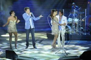Roberto Carlos dança com Paloma Bernardi em especial de fim de ano da Globo