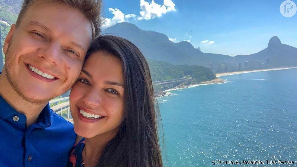 Thais Fersoza brinca com Michel Teló ao perceber que o marido escolheu o mesmo look que ela para malhar nesta terça-feira, dia 09 de abril de 2019