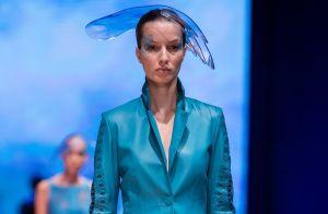 Vestidos, saias e calças: dicas de como incluir o couro nos seus looks do dia