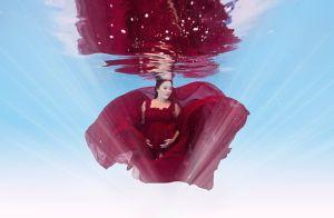 Grávida de 8 meses, Geovanna Tominaga faz fotos dentro d'água: 'Lúdicas'. Veja!
