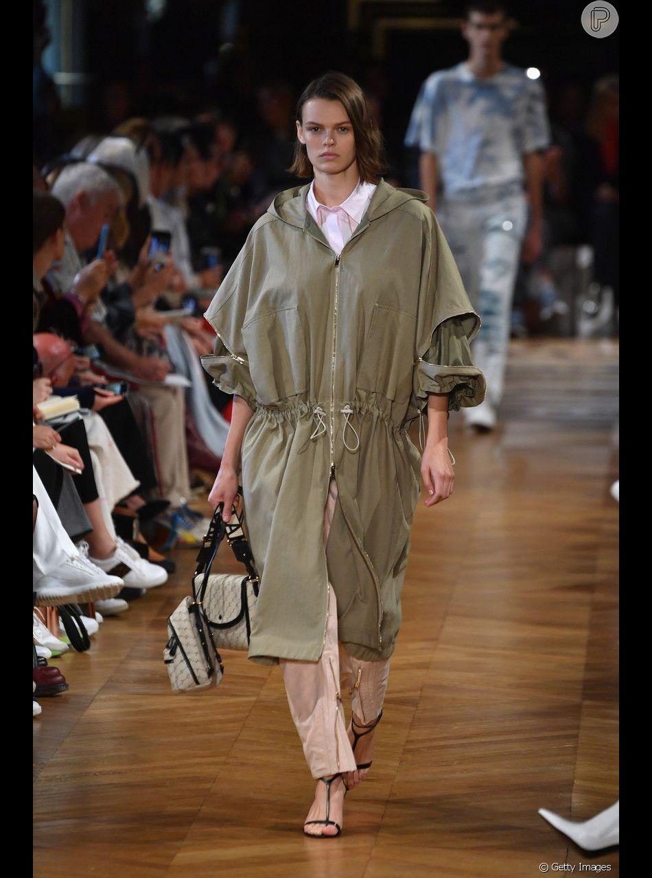 9540b96f6 Peças largas e verde-militar são características da moda utilitária ...