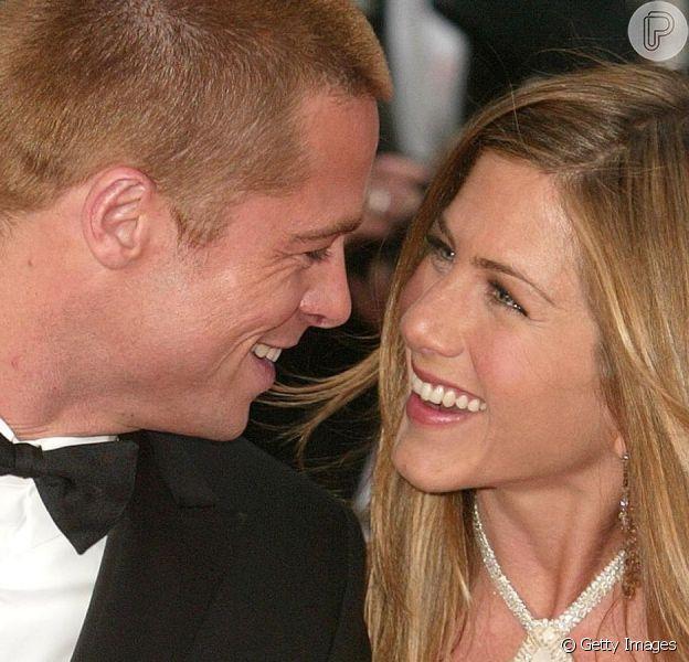 Brad Pitt presenteia Jennifer Aniston com mansão de R$ 300 milhões