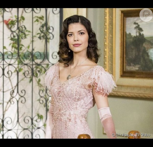 Após 'Espelho da Vida', Vitória Strada ganha quadro de Julia Castelo. Veja vídeo nesta sexta-feira, dia 03 de maio de 2019