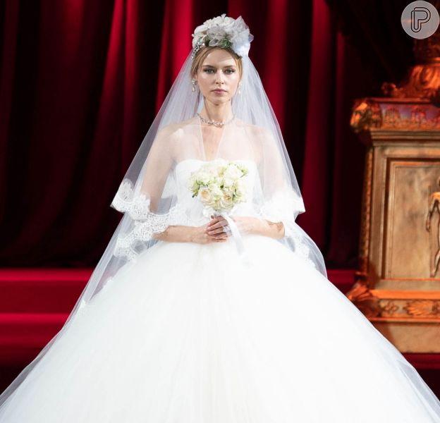 Looks para inspirar as futuras noivas. Esse é Dolce & Gabbana