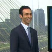 Cesar Tralli responde piada de repórter sobre andar de patins: 'Não tenho tempo'