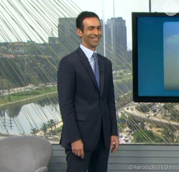 Cesar Tralli responde brincadeira de Maria Julia Coutinho no 'SPTV - 1ª edição', em 8 de outubro de 2014