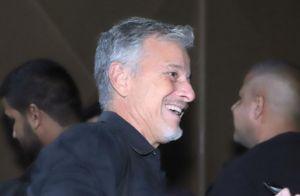 Marcello Novaes toca percussão na última festa de 'O Sétimo Guardião'. Vídeo!